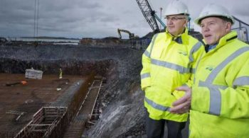 r_1161-minister-visits-ni-water-s-bangor-sewerage-improvement-scheme